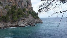 O mar encontra a terra Imagem de Stock Royalty Free