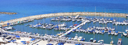 O mar Mediterrâneo espera-o! Imagem de Stock Royalty Free