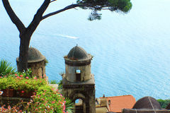 O mar na costa de Amalfi Fotografia de Stock Royalty Free