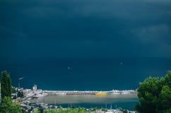 O Mar Negro, cais, Yalta, teleférico Imagens de Stock Royalty Free