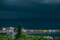 O Mar Negro, cais, Yalta, teleférico Imagem de Stock