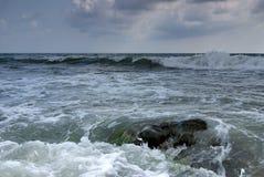 O Mar Negro tormentoso foto de stock