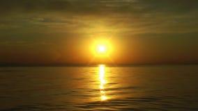 O mar Sun irradia a paisagem da água do mar do Seascape vídeos de arquivo