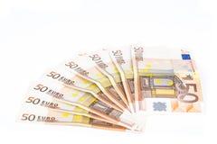 O meio círculo fez com euro- dinheiro europeu das cédulas 50 no fundo branco Imagens de Stock
