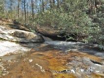 O meio cai no parque estadual de pedra da montanha Imagem de Stock