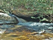 O meio cai no parque estadual de pedra da montanha Imagem de Stock Royalty Free