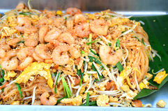 O melhor alimento do padthai saboroso tailandês do macarronete em Tailândia Imagem de Stock