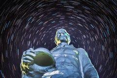 O memorial aos soldados caídos no fundo da estrela segue na região de Kaluga de Rússia Imagens de Stock