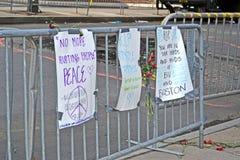 O memorial estabelece-se na rua de Boylston em Boston, EUA, Imagem de Stock