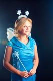 O menina-fairy em um vestido azul Foto de Stock Royalty Free