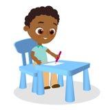 O menino afro-americano novo pinta o assento em uma mesa da escola Ilustração Eps 10 do vetor Estilo liso dos desenhos animados Imagem de Stock Royalty Free