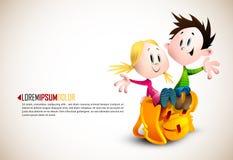 O menino bonito e a menina que sentam-se na escola Backpack Imagem de Stock