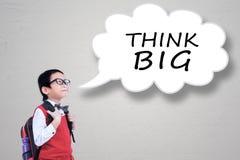 O menino com pensa o texto grande na bolha do discurso Imagem de Stock