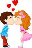 O menino e a menina dos desenhos animados estão beijando Fotos de Stock