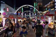 O mercado da noite em Busan, Coreia foto de stock