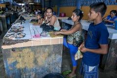 O mercado de peixes em Indiana no Rio Amazonas no Peru Foto de Stock Royalty Free