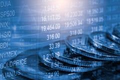 O mercado de valores de ação ou o gráfico e o castiçal de troca dos estrangeiros fazem um mapa do suitab imagens de stock