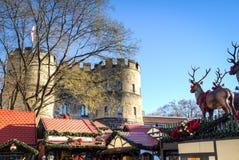 O mercado do Natal na água de Colônia, Alemanha fotografia de stock