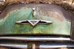 O metal rústico em um caminhão abandonado imagem de stock royalty free