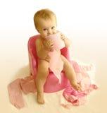 O miúdo com um papel higiénico Fotografia de Stock Royalty Free