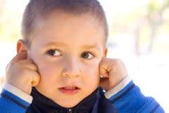 O miúdo não quer escutar Foto de Stock