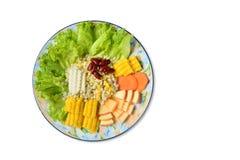 O milho, a couve e o feijão vermelho misturaram no prato Imagens de Stock Royalty Free
