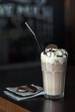 O milk shake com cookies Fotografia de Stock