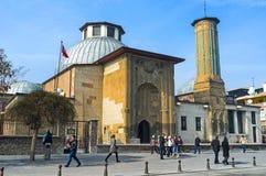 O minarete delgado Madrasah em Konya Fotos de Stock