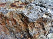 O mineral do ferro contém a rocha vulcânica fotografia de stock