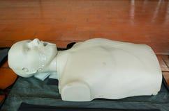 O modelo de treinamento da emergência é equipamento para treinar o CPR Fotos de Stock Royalty Free