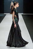 O modelo fêmea no desfile de moda Valentin Yudashkin na semana de moda de Moscou, Queda-inverno 2016/2017 Foto de Stock Royalty Free