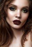O modelo novo com noite profissional compõe Fotografia de Stock Royalty Free