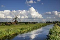 O moinho de vento de Wingerdse Foto de Stock Royalty Free
