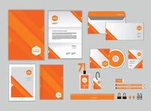 O molde da identidade corporativa para seu negócio inclui a tampa do CD Imagem de Stock