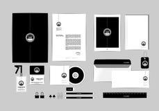 O molde da identidade corporativa para seu negócio inclui a tampa do CD, cartão, dobrador, régua, envelope e a cabeça da letra pr Imagem de Stock Royalty Free