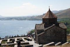 O monastério da ilha ou o Sevanavank (igreja) na ilha de Sevan Fotos de Stock Royalty Free