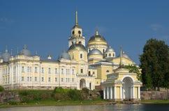O monastério de Nilo-Stolobensky abandona na região de Tver, Rússia foto de stock