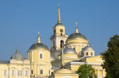 O monastério de Nilo-Stolobensky abandona na região de Tver, Rússia fotos de stock