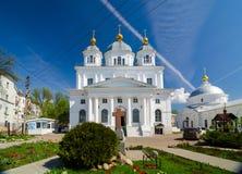 O monastério do ` s das mulheres de Kazan em Yaroslavl, Rússia Anel dourado de Rússia Fotografia de Stock Royalty Free
