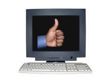 O monitor isolado do computador com polegares levanta o conceito da cena Fotografia de Stock Royalty Free