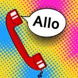 O monofone velho vermelho e o discurso do telefone do fundo do pop art borbulham com ilustração royalty free