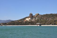 O monte da longevidade no lago Kunming Fotos de Stock Royalty Free