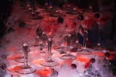 O monte dos vidros com champanhe Foto de Stock
