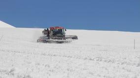 2014 07 o Monte Elbrus, Rússia: Ratrak aumenta subida na inclinação do Monte Elbrus filme