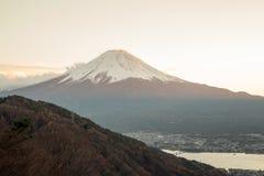 O Monte Fuji em dias do por do sol fotografia de stock royalty free
