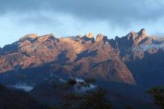 Nascer do sol, o Monte Kinabalu, Sabah, Malaysia, Bornéu Imagens de Stock