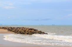 O monte na praia Foto de Stock Royalty Free