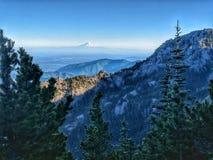O Monte Rainier da montagem Townsend imagens de stock