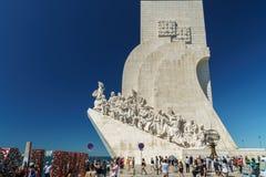 O monumento ao dos Descobrimentos de Padrao das descobertas comemora a idade portuguesa da descoberta fotos de stock