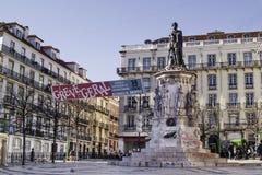 O monumento a Camoes em Lisboa e chama uma greve Imagens de Stock